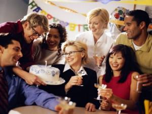 Как правильно отметить день рождение на работе
