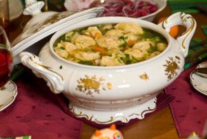 Кушаем суп по этикету