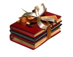 Как правильно дарить книги