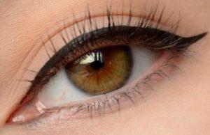 Стрелки на глазах. Как исправить стрелку на глазах