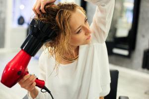 Укладка волос дома по всем правилам.Красивая волна с помощью насадки - диффузора.