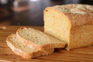 Чтобы хлеб не черствел